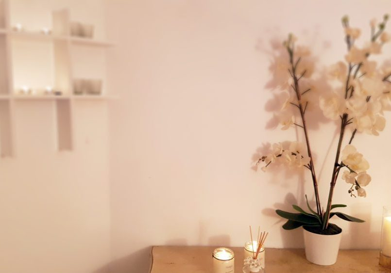 Candles_flowers1
